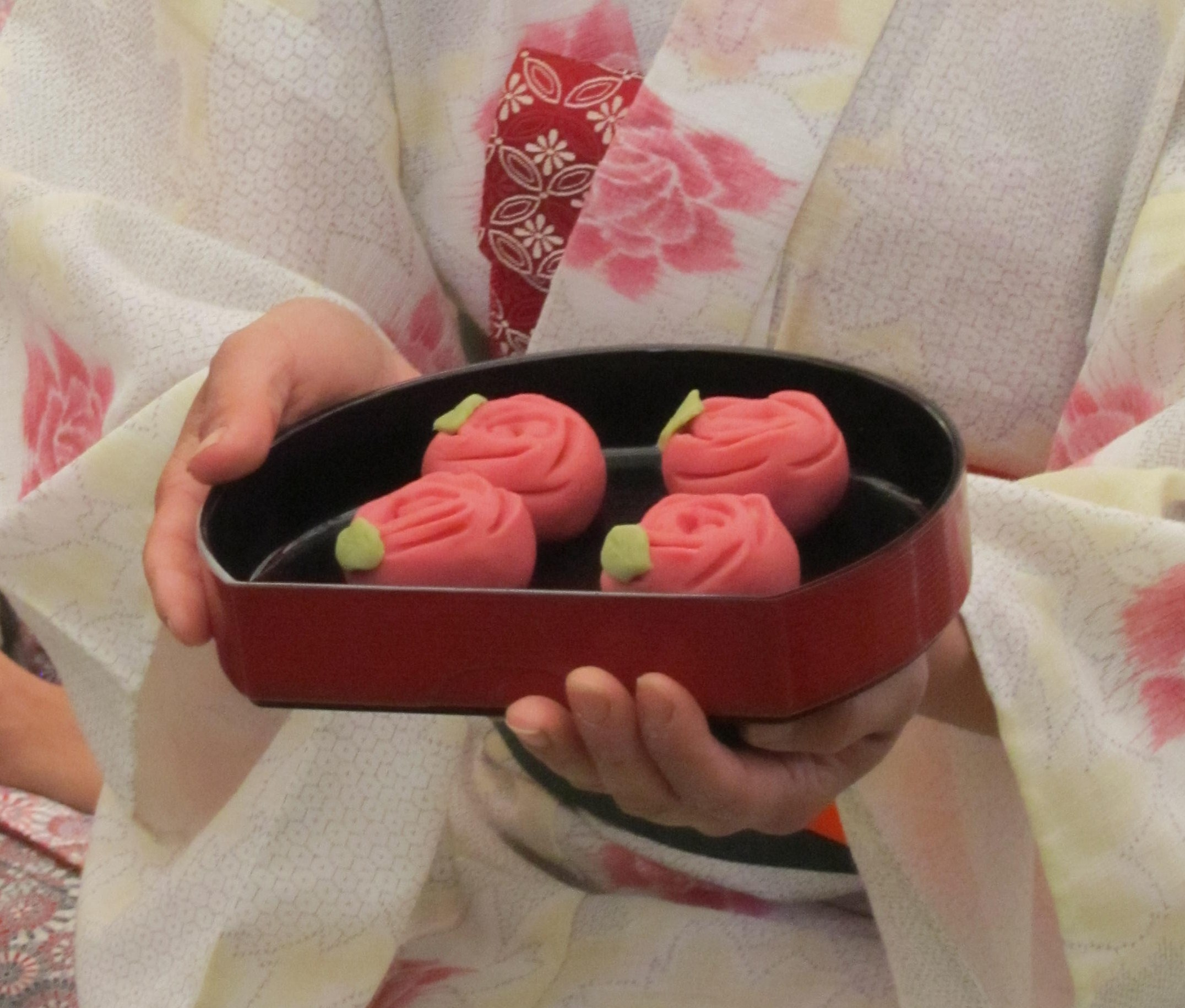 how to eat with wagashi stick