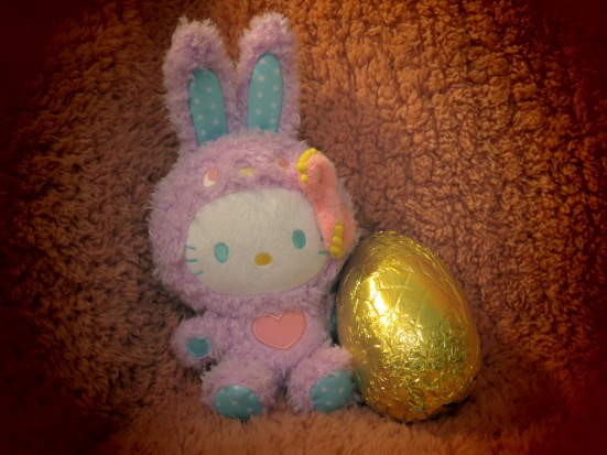 Hello Kitty rabbit with an Easter egg