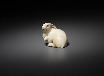 'Hare with Amber Eyes' courtesy of Edmund de Waal; Photo Ken Adlard © International Netsuke Society