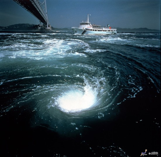 Uzushio Whirlpools ©JNTO