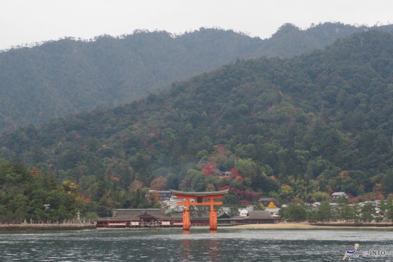 Itsukushima Shrine ©Akimasa Yuasa/©JNTO