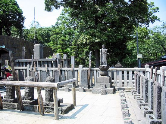 Graves of the 47 Ronin at Sengaku-ji temple, Tokyo