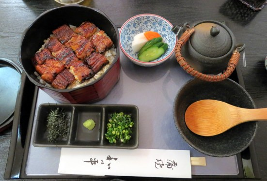 Stumbling upon hitsumabushi in Asakusa for lunch (my favourite!)