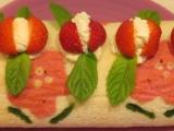 Monthly Recipe: Strawberries & Cream Deco Roll BirthdayCake