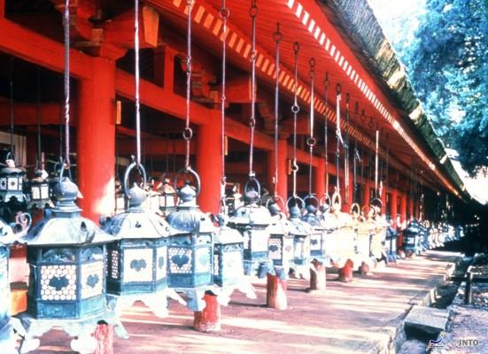 Kasuga Taisha's Lanterns ©JNTO