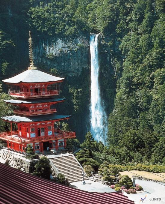 Nachi Waterfall ©Wakayama Prefecture/©JNTO