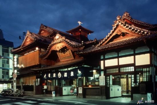 Dogo Onsen Honkan ©Ehime Prefecture/©JNTO